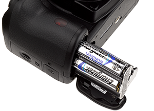 Energizer Ultimate Lithium AA-size batteries included,  with option to use a rechargeable standard lithium battery.