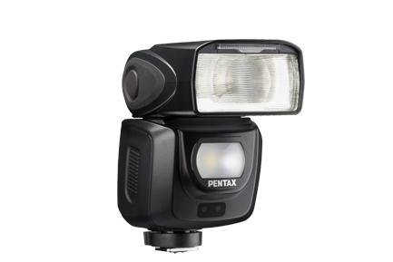 來了~終於來了~Ricoh 發表最新的 Pentax 二代防天候閃光燈!